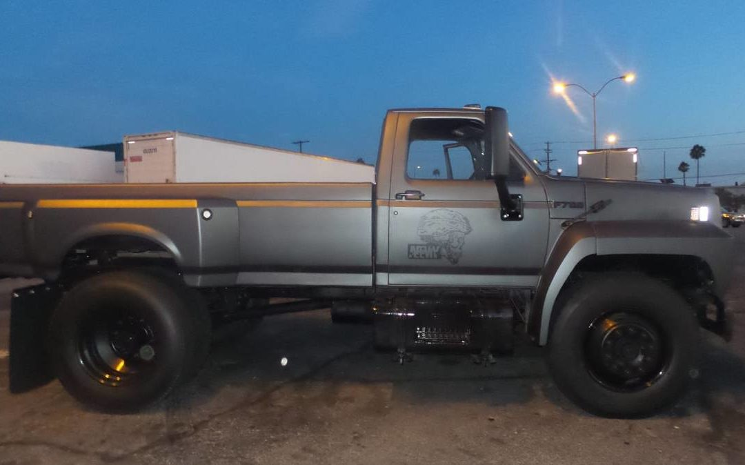 1986 Ford F700 8.2 Diesel Dually 10 Speed Pickup Conversion